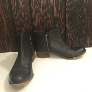 Lucky Brand Side Zip Ankle Booties Size 7.5M